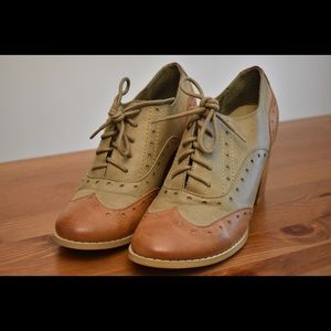 Olive and Cognac Oxford Heels